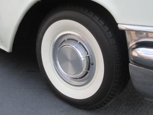 1957 Pontiac Pathfinder Sedan Delivery - 28