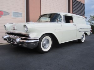 1957 Pontiac Pathfinder Sedan Delivery - 6